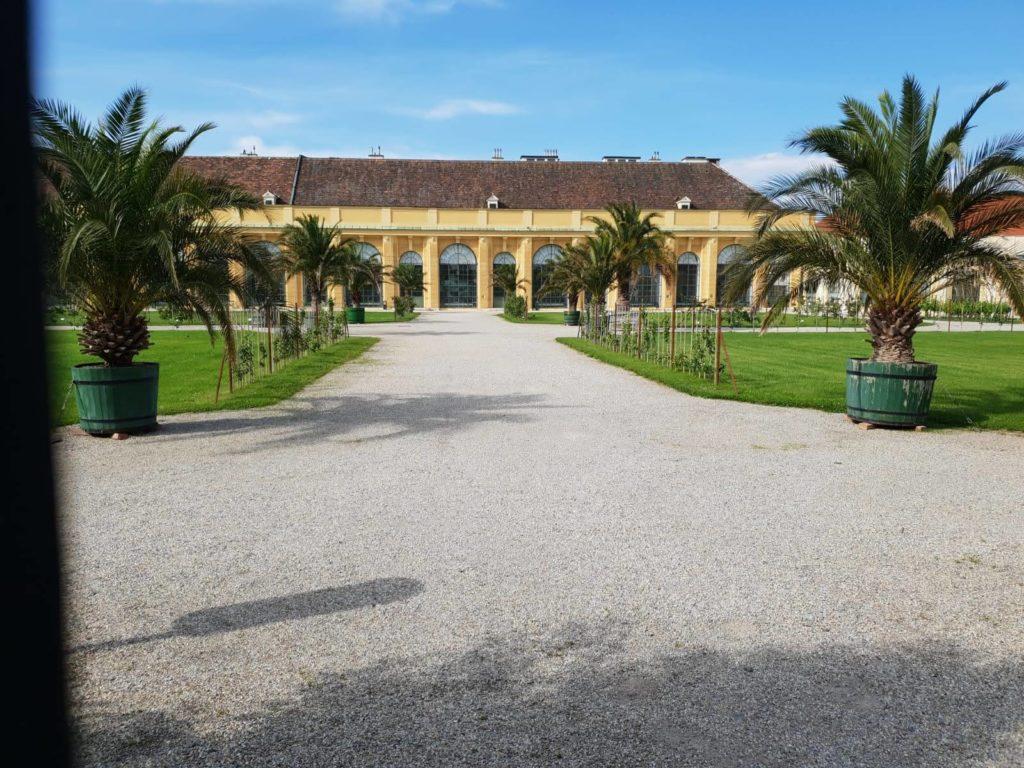 Die Orangerie des Schloß Schönbrunns nahe beim Mauthaus-Schönbrunn-Ferienappartement