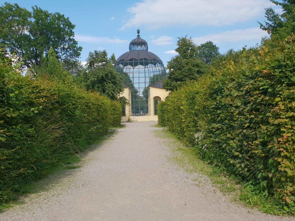 Vogelpavillion im Schloßpark Schönbrunn nahe beim Mauthaus-Schönbrunn-Ferienappartement