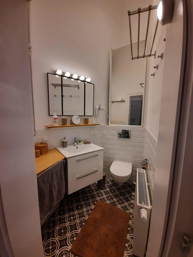 Bad und WC im Mauthaus-Schönbrunn - Ferienappartement
